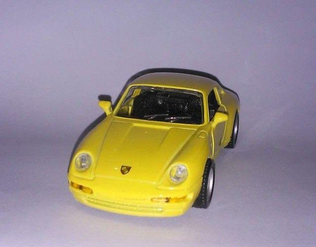 .'. Miniatura Porsche 911 Carrera - Maisto Escala 1:36