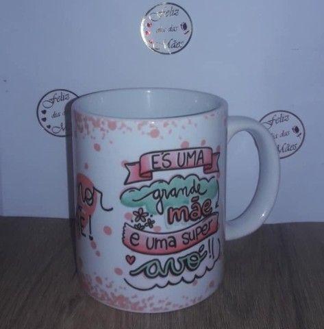 Caneca porcelana personalizada dia das mães - Foto 6