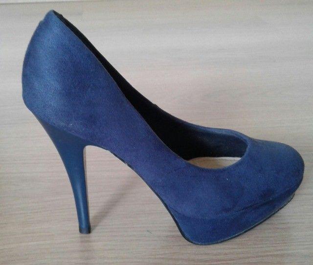 Sapato meia-pata azul nº 34 SEMI-NOVO - Foto 4