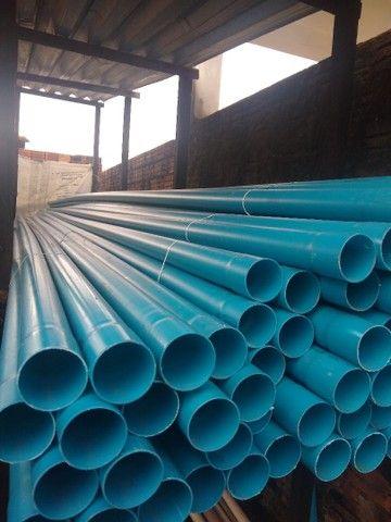 Tubos, conexões e materiais para irrigação.