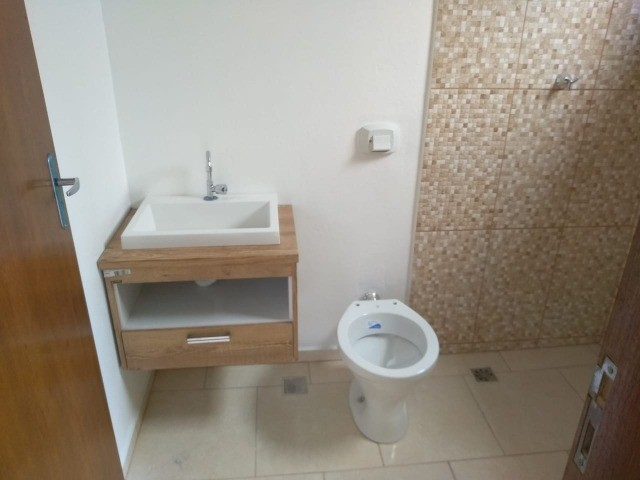 Vendo casa duas suítes bairro em expansão São Lourenço - MG. - Foto 9