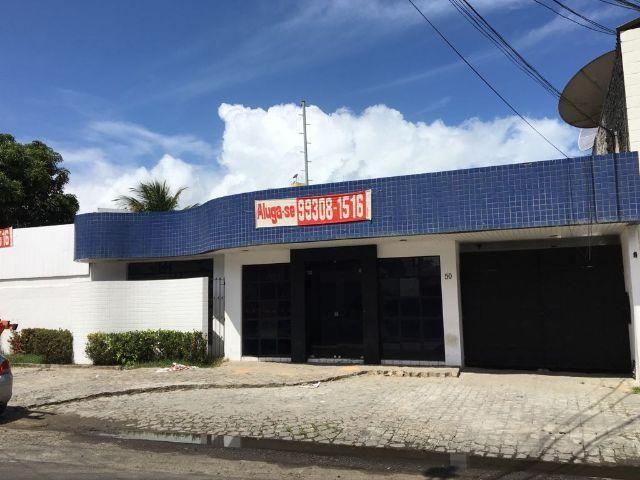 Prédio comercial em frente a NET Mangabeiras - Maceió - Alagoas