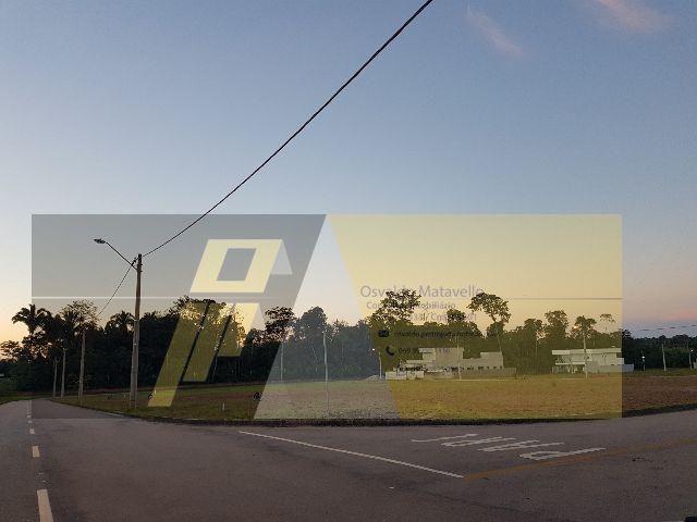 Terreno no Condomínio EcoVille com 435m²
