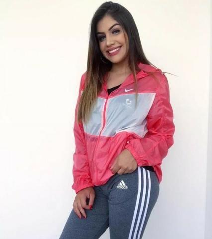 Jaqueta Corta Vento Feminina Nike - Sacolinha - Roupas e calçados ... 1f1a957b0cac8