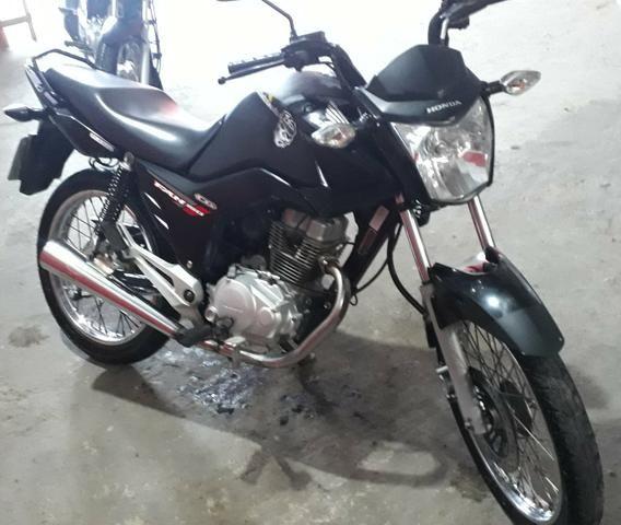 Vendo moto 150 2014 telefone para contato zap 88729678