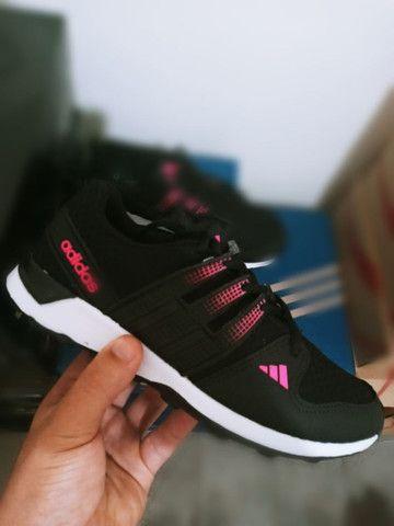 Tenis adidas feminino preto com rosa barato