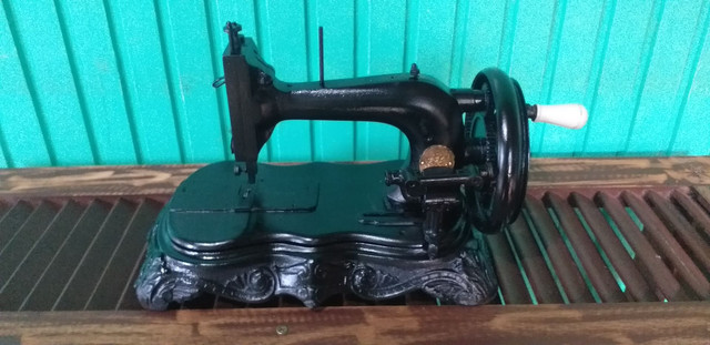 Máquina de costura antiga decoração