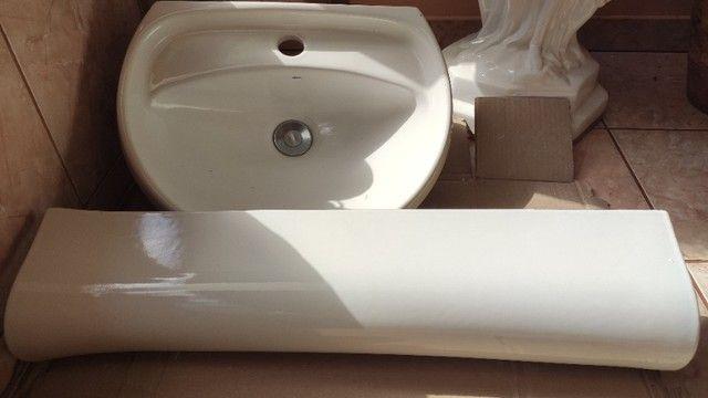 Pia coluna para banheiro e torneira - Foto 2