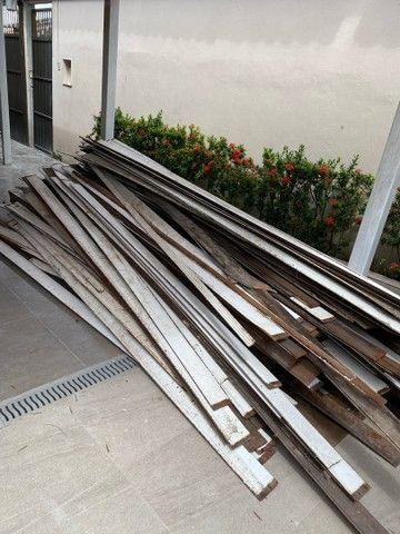 Vendo aproximadamente 100 metros quadrados de forro em madeira em bom estado -Angelim  - Foto 2