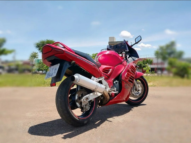 Moto Esportiva Suzuki Rf900r Vermelha<br><br> - Foto 12