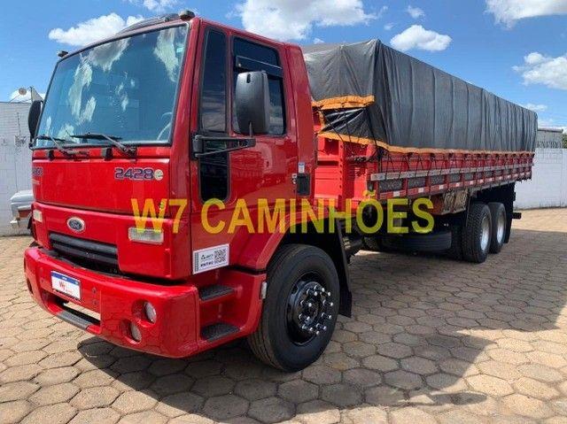 Cargo 2428 Truck Graneleiro 2010/2011