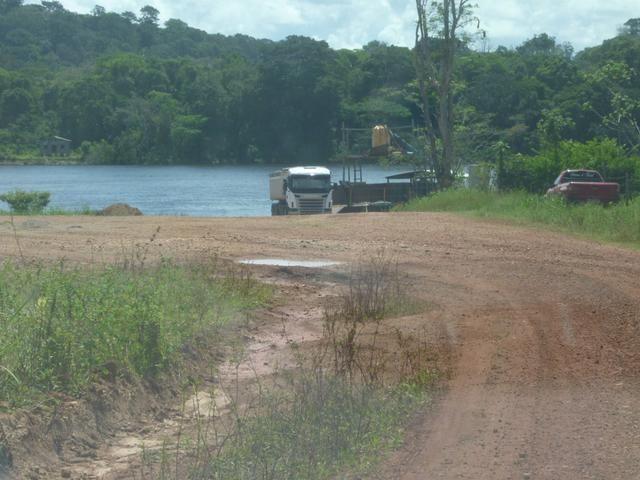 Vendo terreno no km121, as margens do rio araguari Porto grande, medindo 150 equitares