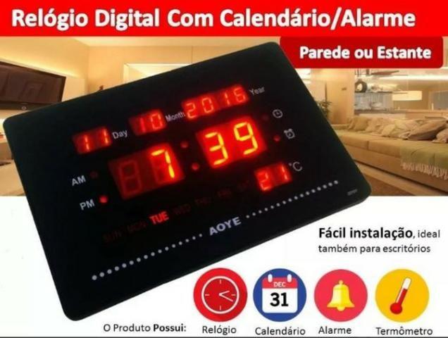Relógio led digital 2,5 x 12,5 x 23 cm