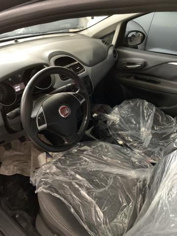 Fiat punto essence 1.6 2014 - Foto 5