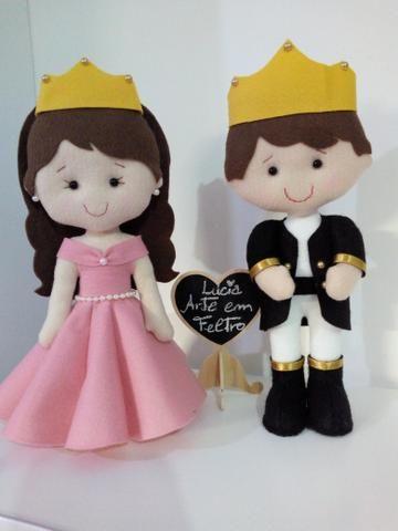Príncipe e princesa em feltro