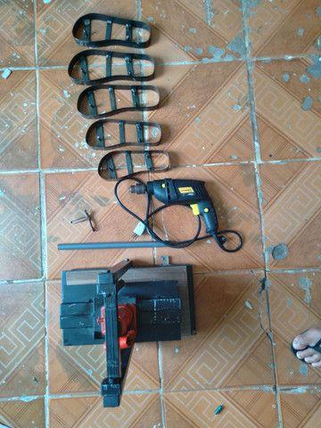 Máquina manual de fazer chinelos com pouco tempo de uso! - Foto 5