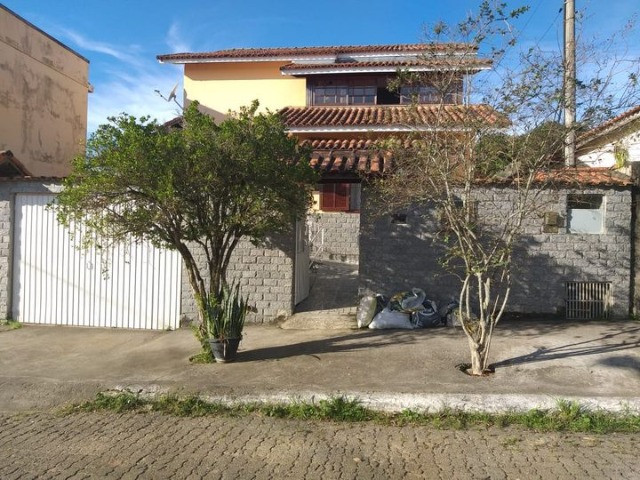 Casa térrea no bairro Bondarovsky em Quatis - RJ