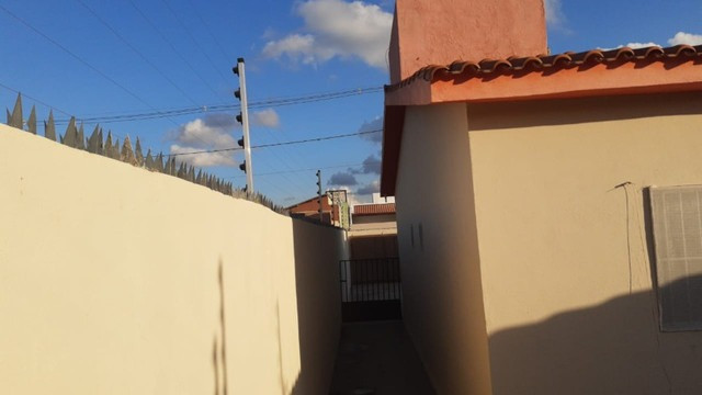 Excelente casa solta próxima ao centro da cidade - Foto 2