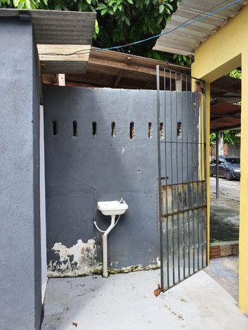 Vendo ou Troco casa com ponto comercial - Foto 3