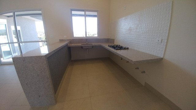 Casa com 03 Quartos Condomínio Fechado em Caldas Novas GO - Foto 4