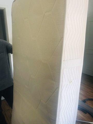 Colchão de solteiro de molas, com pillowtop de espuma - Foto 4
