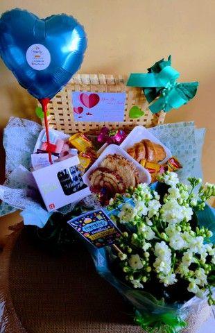 Marly cestas e flores