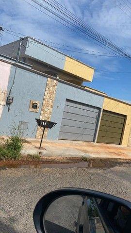 Linda Casa pé  Direito duplo no Residencial Flamingo  - Foto 3