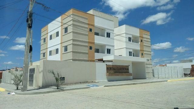 Apartamento com 2 quartos, varanda e documentação gratis