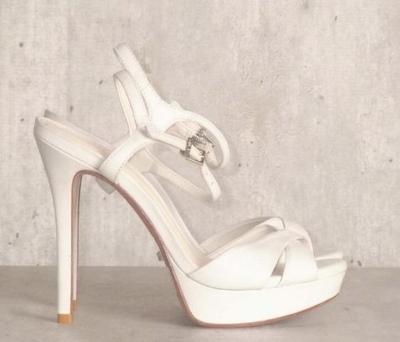 438e62726 Sandalia Schutz branca, 35 - Roupas e calçados - Centro, Nilópolis ...