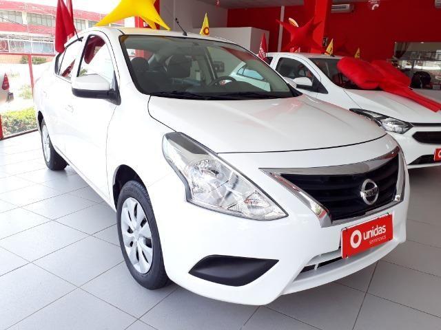 Oferta com Bônus de Ipva 2020 - Nissan Versa Conforto 1.0 2018 - Financiamos em até 60X - Foto 2