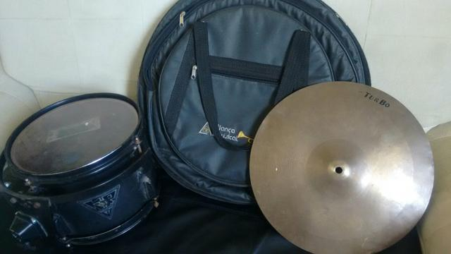 """Ton de 10"""" Marca KR Drum + Bag + Prato Turbo"""