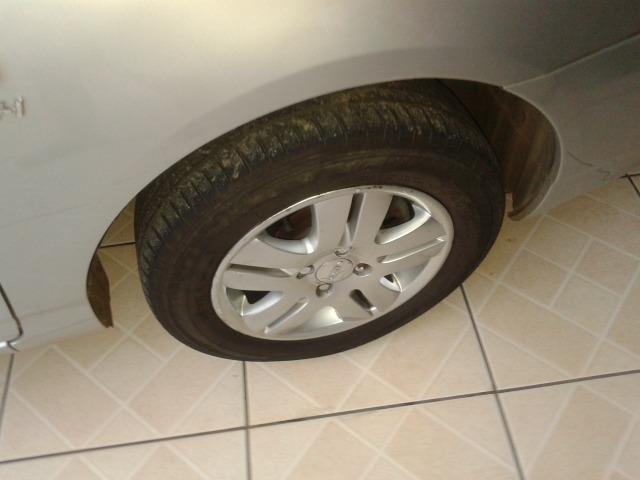 Vendo Toyota Corolla - Foto 3