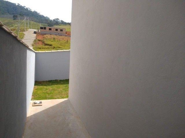 Vendo casa duas suítes bairro em expansão São Lourenço - MG. - Foto 2