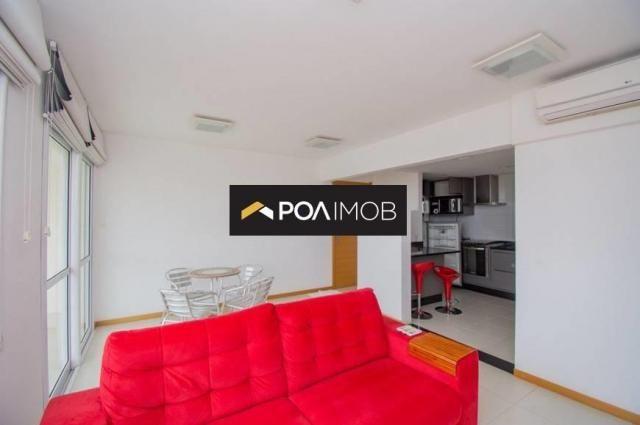 Apartamento com 3 dormitórios para alugar, 93 m² por R$ 3.900,00/mês - Jardim Europa - Por