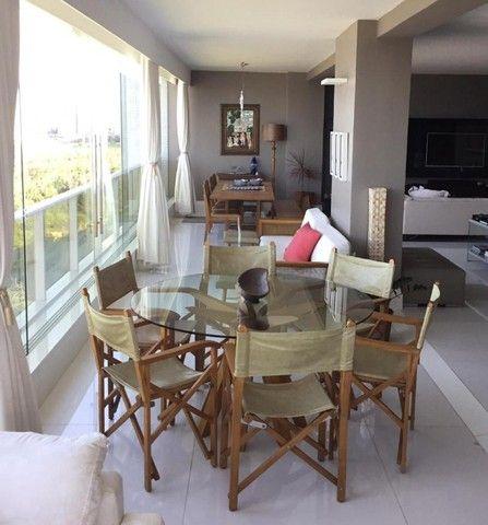 Apartamento luxuoso com vista mar todo projetado na Ponta do Farol - Foto 3