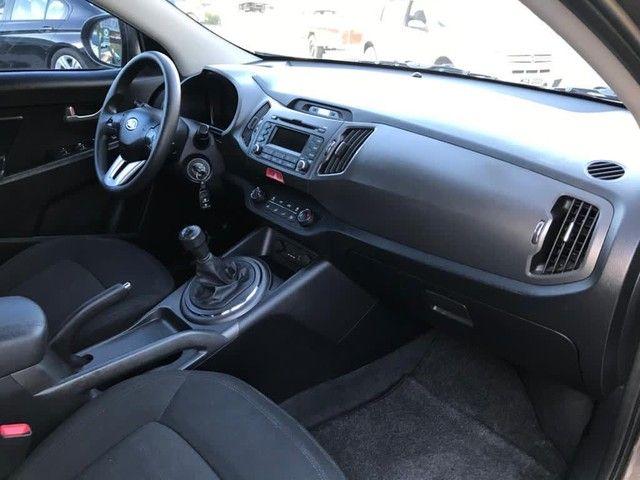 Vendo Sportage LX, motor 2.0, ano 2011, com apenas 60.900 km - Foto 6
