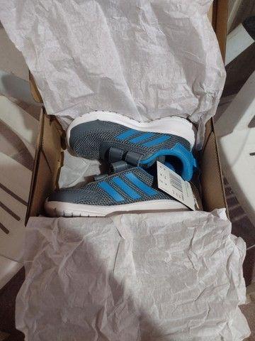 Tênis infantil Adidas novo tamanho 23 - Foto 3