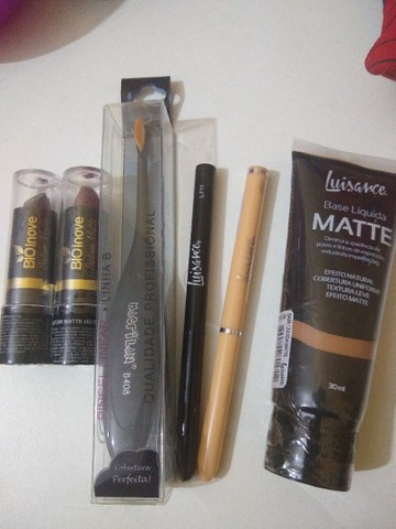 Base,Baton, lápis e pincel