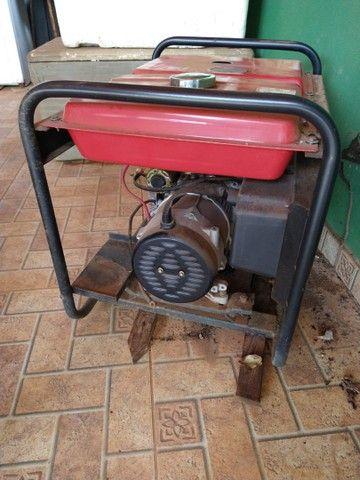 Gerador à Diesel 3,3Kva 110/220V BD 4000E Partida Elétrica - BRANCO- * - Foto 2