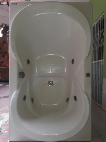 Banheira de hidromassagem