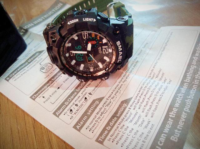 c313c408628 Relógio Masculino Estilo militar Original esportivo Novo Barato à prova  d água!