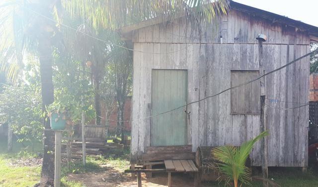 Vendo uma casa com terreno