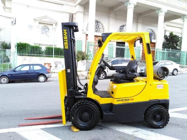 Empilhadeira Hyster 2.500Kg 2015