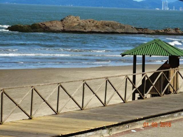 Vende / Aluga 3 Quartos + 1 suíte - 300 mts da Praia - Foto 8