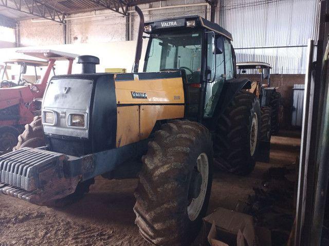 Trator VALTRA BH 180 gabinado 4x4 - Foto 3