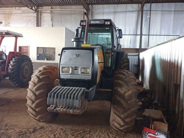 Trator VALTRA BH 180 gabinado 4x4