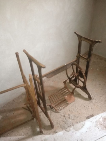 Pés de maquina antigo para restauraçao