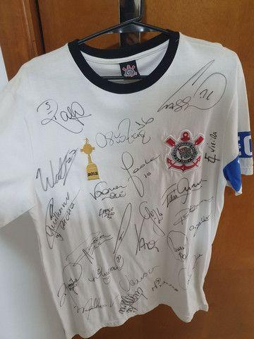 Camisa do Corinthians autografada