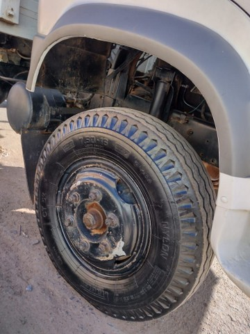 Caminhão 6.90    43,000 - Foto 4