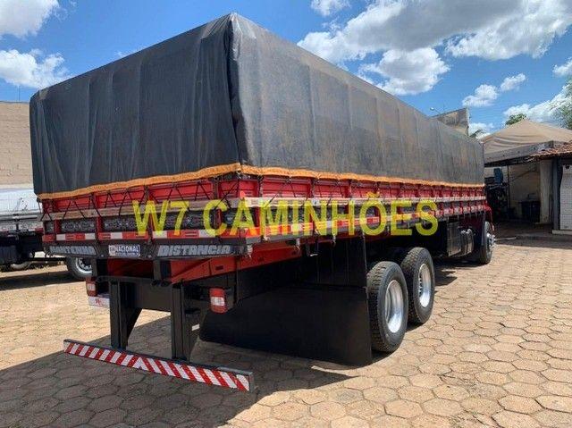 Cargo 2428 Truck Graneleiro 2010/2011 - Foto 8